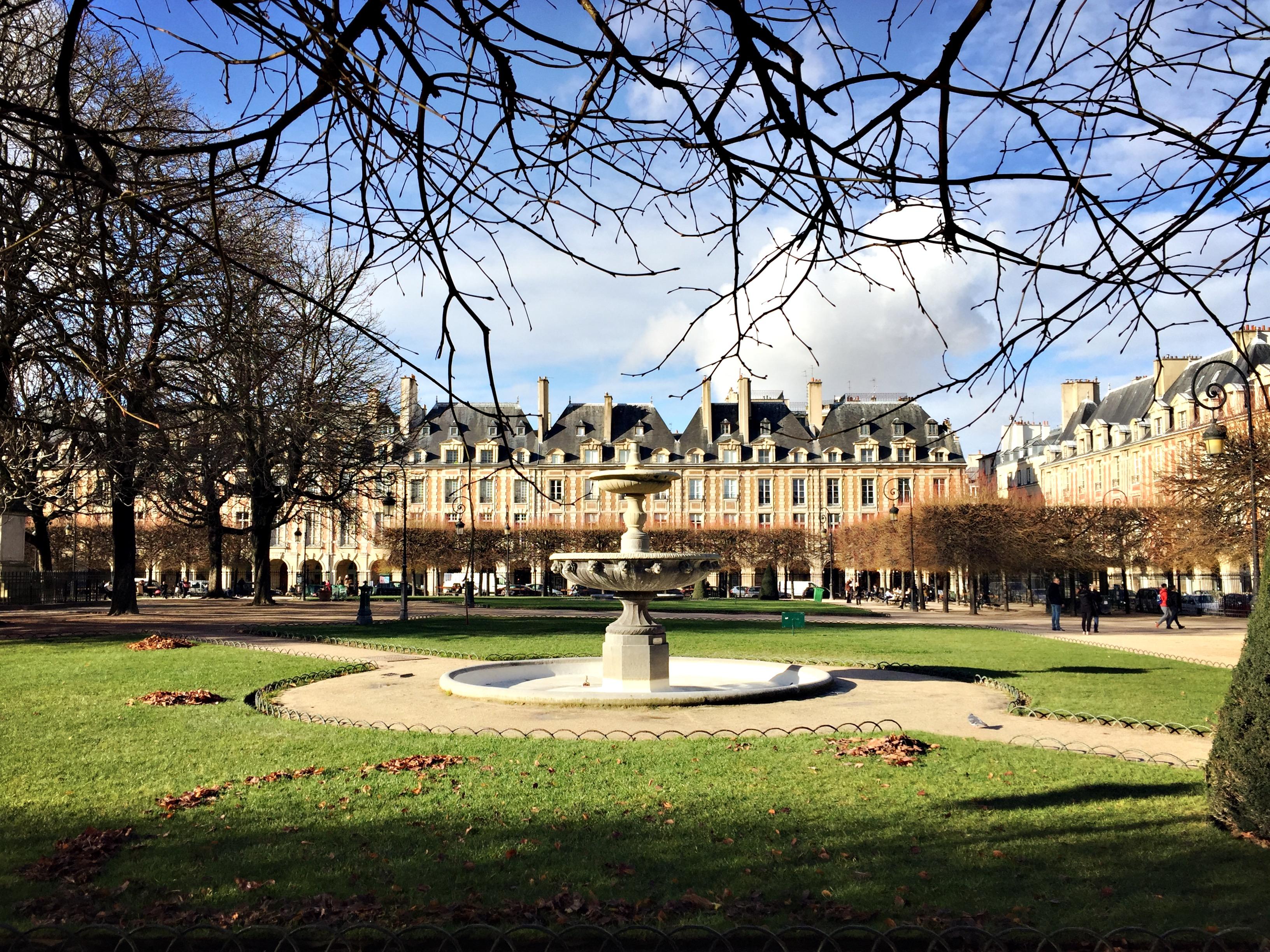 2 giorni a parigi place des voghe