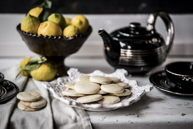 biscotti al cioccolato bianco e limone
